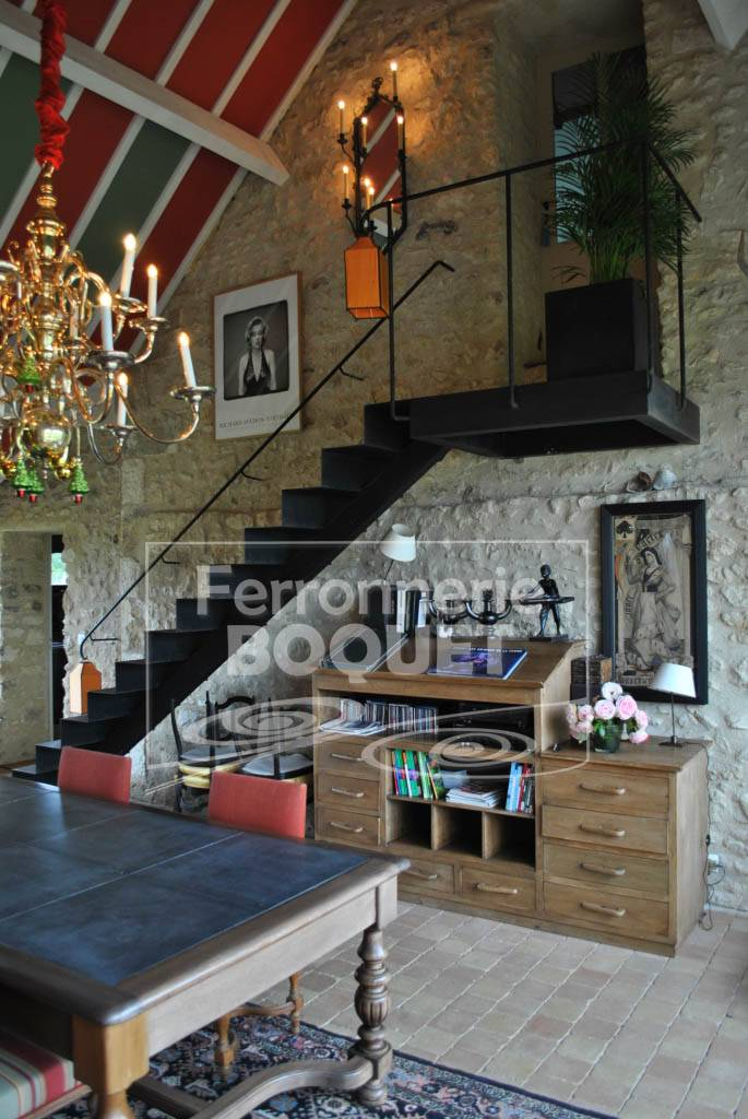 Escaliers fer forg ferronnerie boquet for Peinture sur fer forge